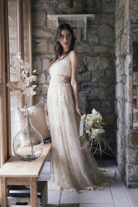 modello-abito-da-sposa-in-pizzo