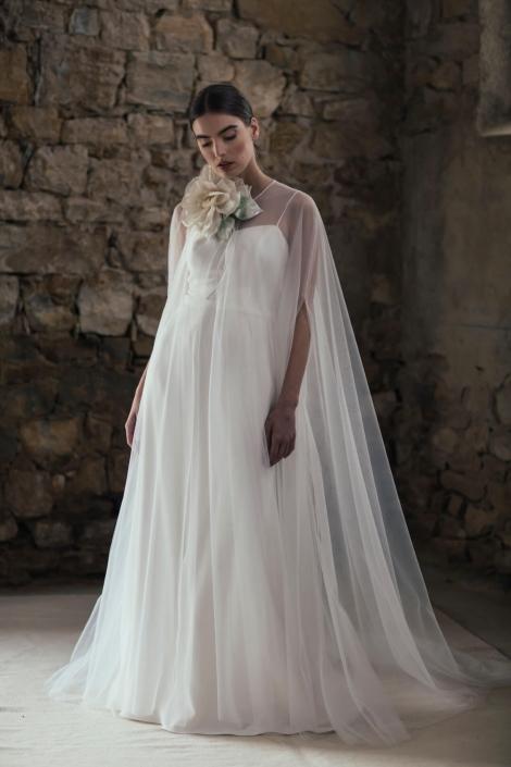 abito-da-sposa-fluido-2020