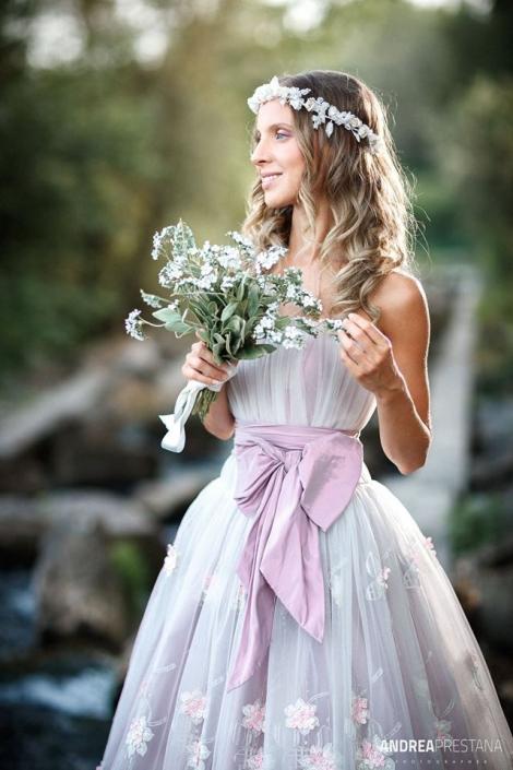 abito-da-sposa-romantico-in-pizzo-colorato